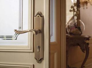 Особое внимание к деталям! Грамотно подбираем дверную фурнитуру.